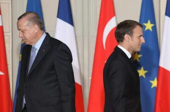 """北约内部大打口水战!法国与土耳其爆发冲突,甚至威胁要""""退群"""""""