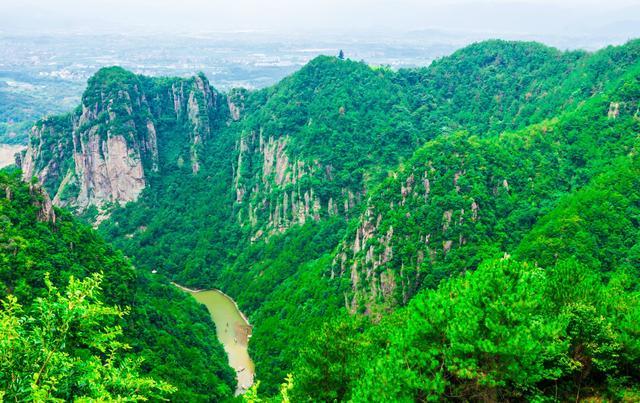"""浙江这个宛若仙境的地方,被誉""""浙东最美峡谷"""",李白曾流连忘返"""