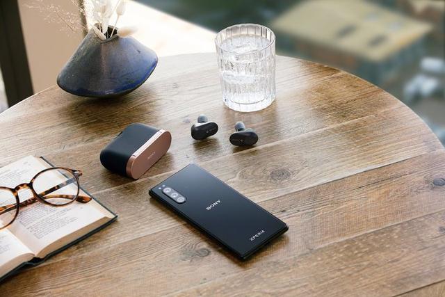 6.1 寸的索尼 Xperia 5,会是你喜爱的「小屏旗舰」吗?