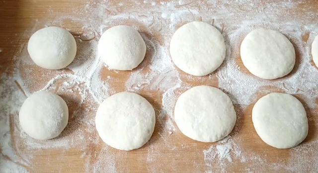 甜甜圈家庭版做法,不烤不用蒸,香甜暄软,做法特简单,孩子爱吃