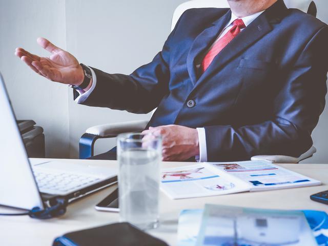 努力工作的员工会让老板感动吗?