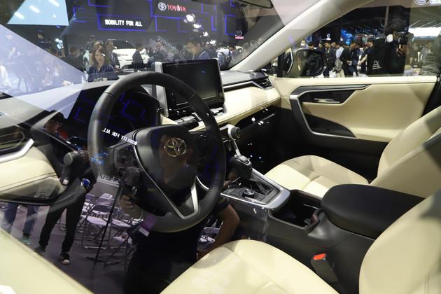 外观内饰均升级/提供混动版车型 全新丰田YARiS官图发布