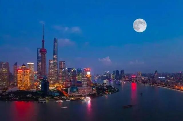 王昌龄著名的赏月诗,最后一句最有意味,堪称一绝