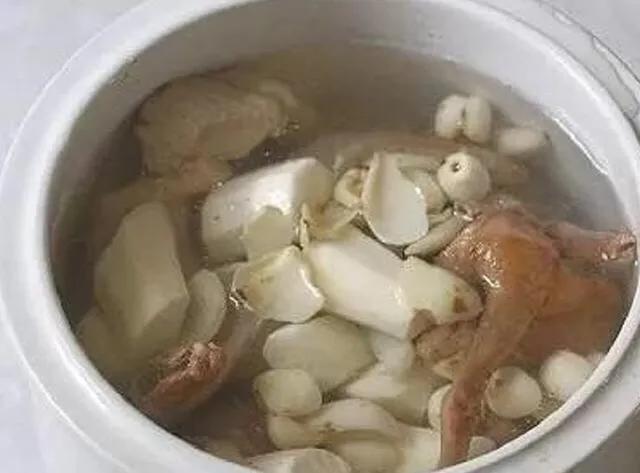 清炖鸽子汤的做法_清炖鸽子汤怎么做_小五的吃喝_美食杰