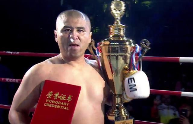 太极雷雷炮轰拳王泰森:拳击练到极致,遇到用腿的也要完蛋