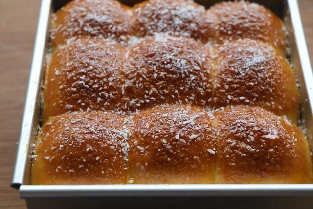 面包別再買了,自己在家做,不用黃油不用高粉,柔軟拉絲真好吃