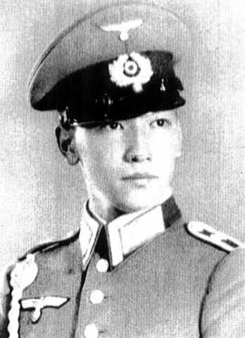 戴季陶和蒋纬国照片