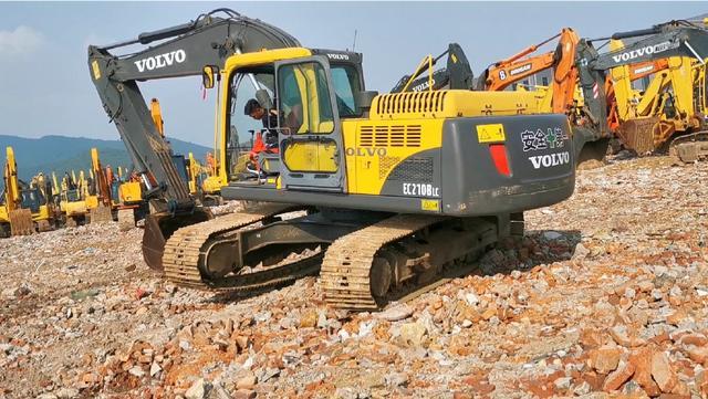 供应西藏地区轮式挖掘机 多种用途小型轮式挖机品牌-... -慧聪网