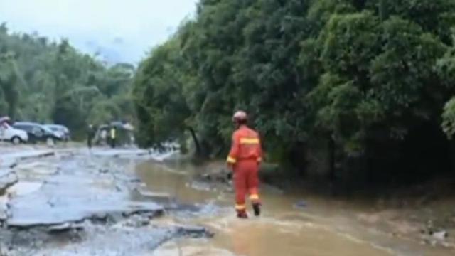 桂林一峡谷突发山洪 4名游客遇难