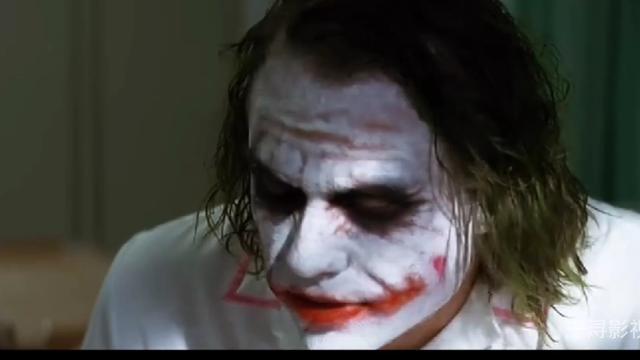 12个蝙蝠侠死对头的大头照,小丑:我现在总是微笑着