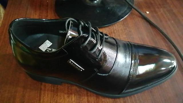 男内增高皮鞋
