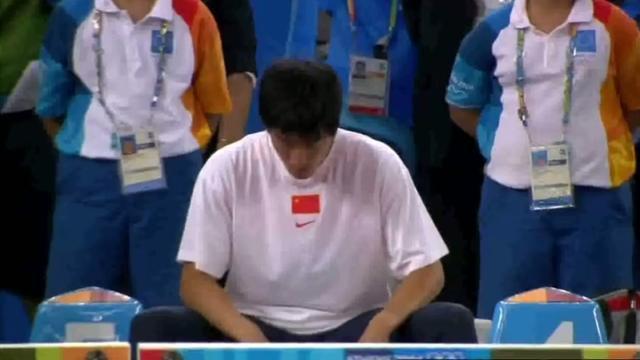 刘翔2004年雅典夺冠