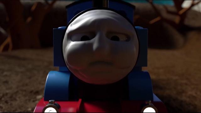 托马斯加大马力全速前进 小火车车厢手拉手运输货物