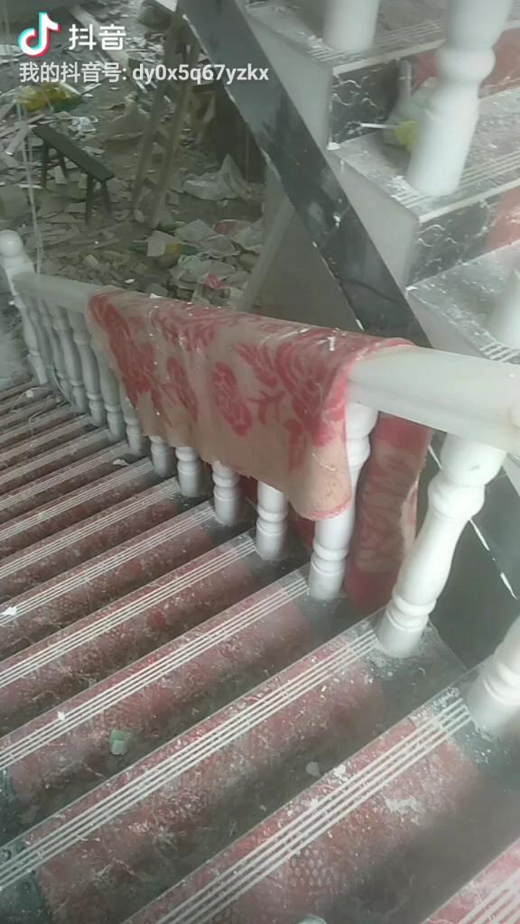 玻璃扶手楼梯图片