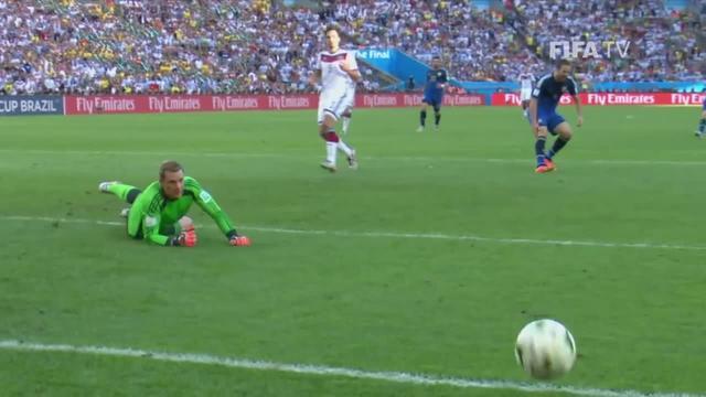 2014世界杯决赛德国队捧杯,梅西落寞的眼神是那么的令人心碎