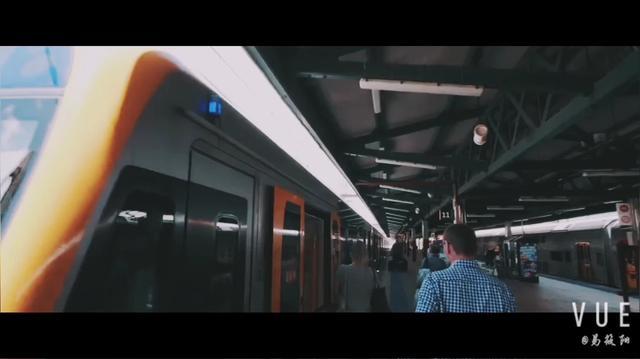韩国火辣DJ女神soda:打碟现场