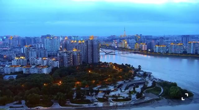 四川绵阳夜景