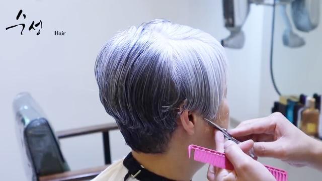 短发男士发型两边剃杠