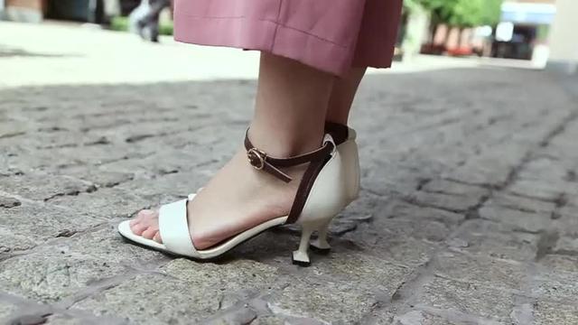 气质显淑女味的中跟春季单鞋,精致显脚瘦哦!