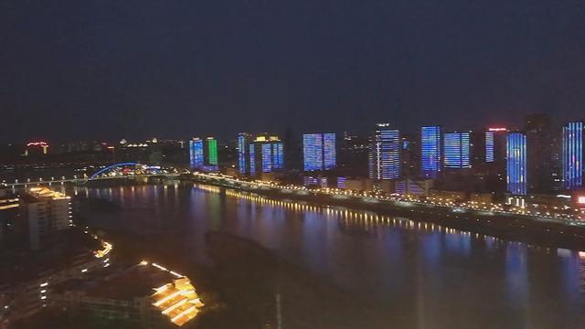 绵阳南郊机场夜景图片