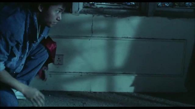 小森唯刚被吸血鬼救出水,就直接被吸血了,看着就很疼_网易视频
