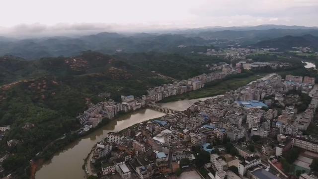 """航拍有""""粤桂通衢""""的美誉,曾经也是富甲一方的广西北流市"""