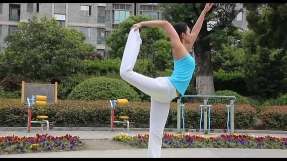 那些身材逆天的韩国性感女神,教你瑜伽。