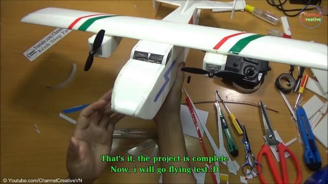 自制遥控飞机,大神教大家动手拼装航模滑翔机,简单易上手