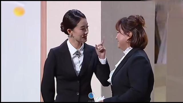 贾玲与张小斐上演女神和女汉子的巅峰对决