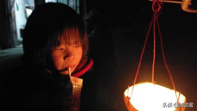 中秋节简单易做的特色灯笼--柚子灯笼_搜狗指南