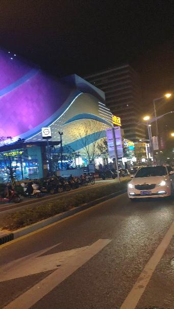 本山大叔带领众弟子几千人同跳广场舞,这是我见过最豪华的广场舞