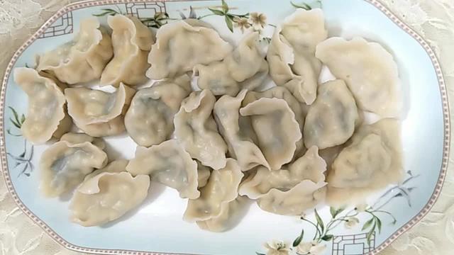 韭菜鸡蛋虾馅饺子