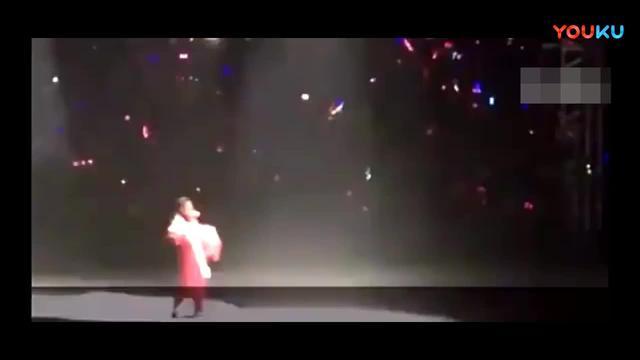 刘德华梅艳芳同台PK, 现场好激烈,两个人都不认输,好倔强