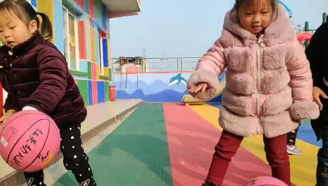 幼儿园简单的篮球舞