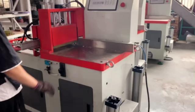 手动铝型材切割机图片