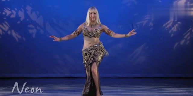女胖子也能称霸舞林!这段肚皮舞表演太美了