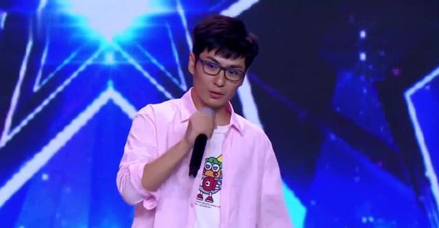 中国达人秀:呆萌小哥台上放飞自我,约德尔人唱法,逗翻全场观众