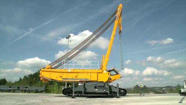 利勃海尔超级重型吊车,是从这个基础上改进而来的!