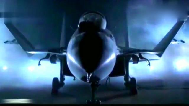 """第六代的战机""""火龙""""已问世,能搭载着电磁炮与激光武器,霸气!"""