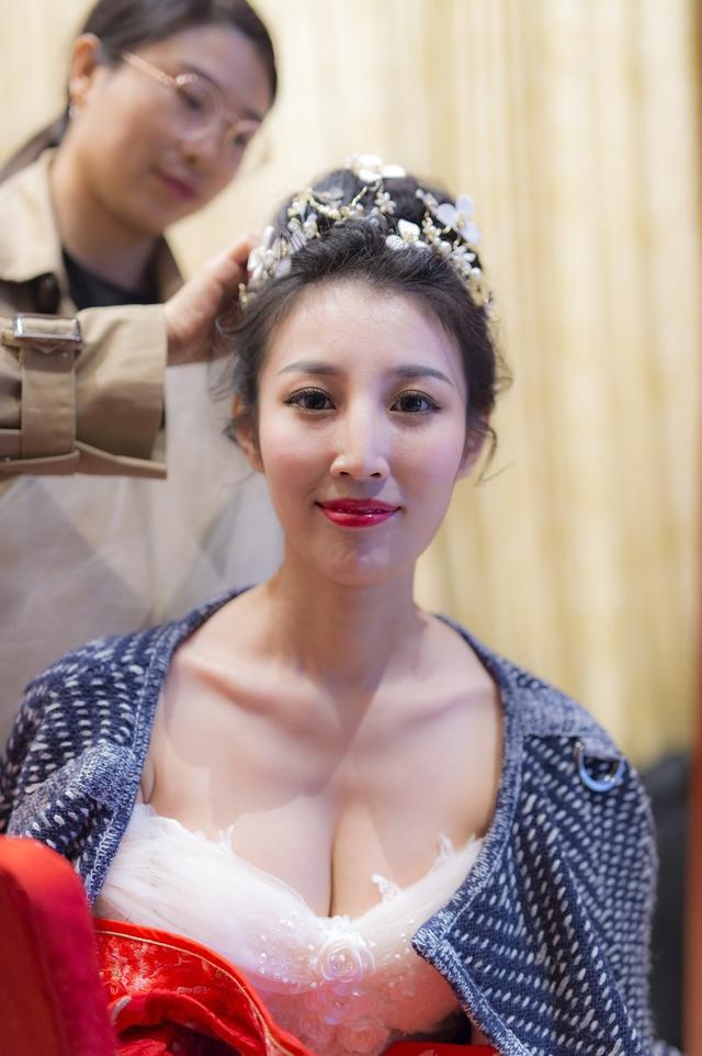 新娘婚纱礼服图片大全