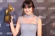 获得金马奖最佳女配角的文淇,清新的模样不输欧阳娜娜!