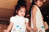 欧阳娜娜童年走秀图,小时候就这么美,长得之后漂亮又有气质感