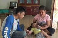 印尼父母喂6个月大女儿喝咖啡,每天3瓶,因家境贫困没钱买牛奶
