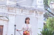中餐厅:杨紫荷叶边半裙,优雅大方;新合伙人棣棣上线