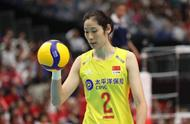 太嗨了!3-0狂虐日本!中国女排5连胜稳居榜首!张常宁颜妮大