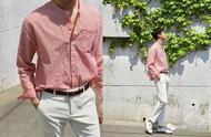 型男穿搭:透过这3个技巧,你也能驾驭亲民度爆棚的果汁系衬衫!
