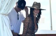 莱昂纳多·迪卡普里奥和21岁的模特女友现身意大利度假