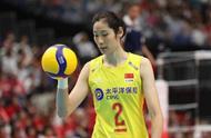 日本女排作为东道主遭中国女排吊打!日本球迷不满,要求教练下课
