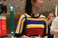 """粉丝机场出""""事故"""",杨紫的反应让粉丝笑出表情包,是宝藏女孩了"""