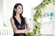 奚梦瑶小腹隆起逛街十分小心,疑似怀孕,何时公布喜讯?